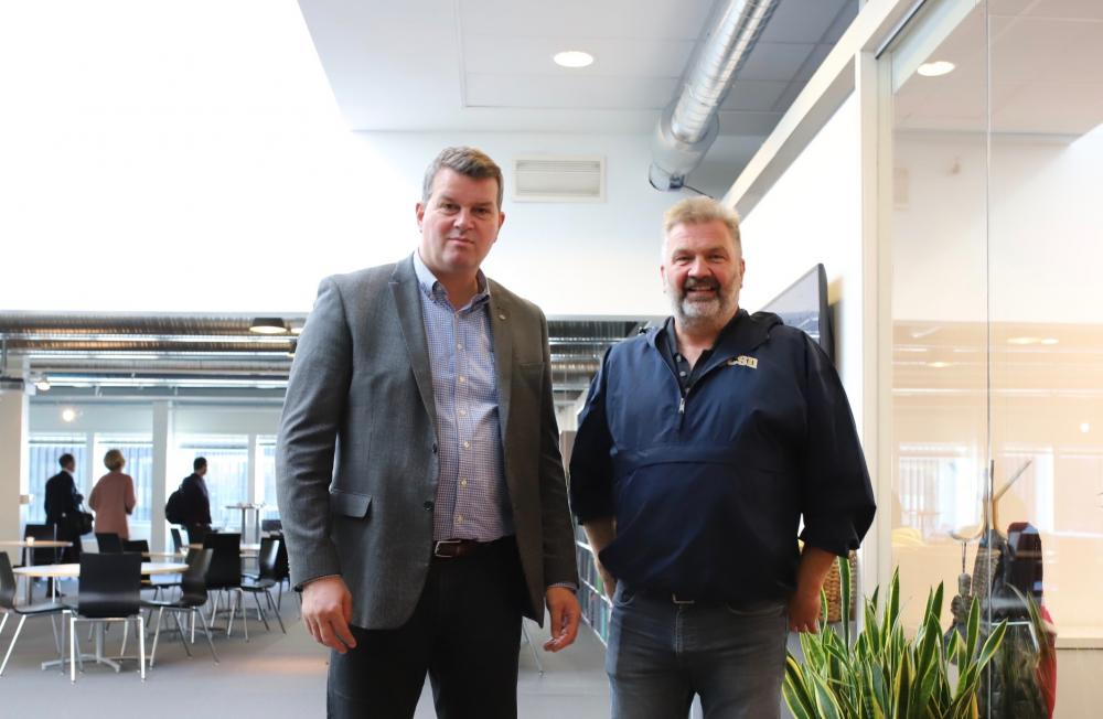 LO President Hans-Christian Gabrielsen and Aslak Tveito, Director of Simula (Photo: Simula/Fanny Klang)