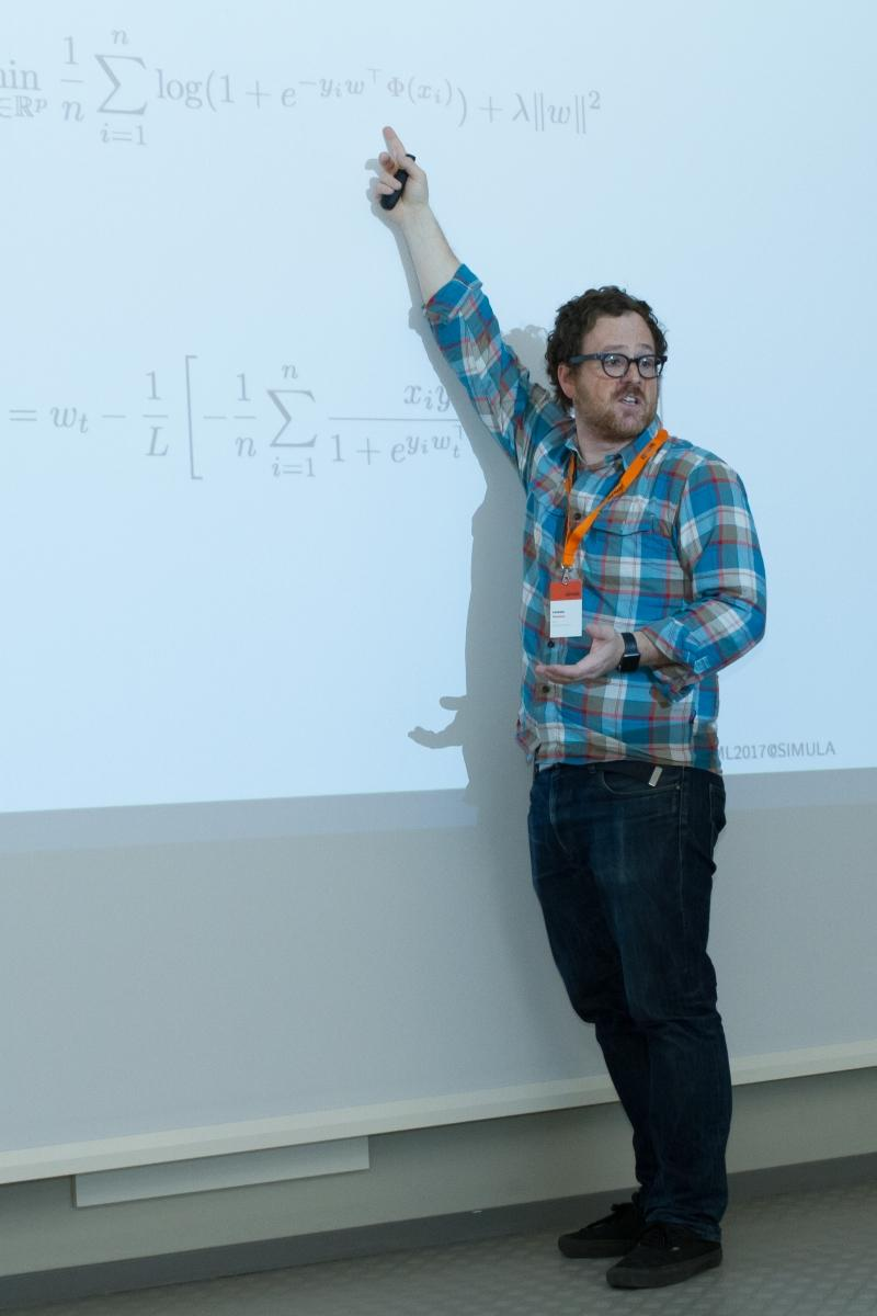 Dr. Lorenzo Rosasco from the University of Genova teaches one of the RegML seminars. (Photo: Simula/Karoline Hagane)