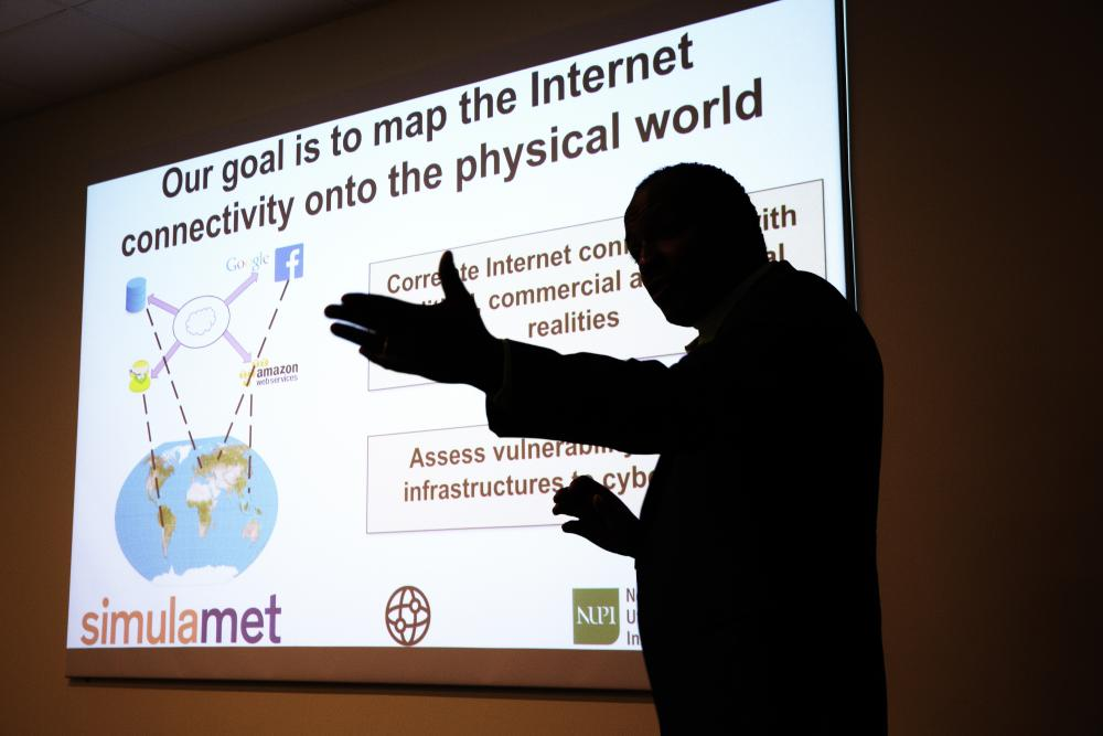 Ahmed Elmokashfi during his presentation (Photo: Sverre Christian Jarild)