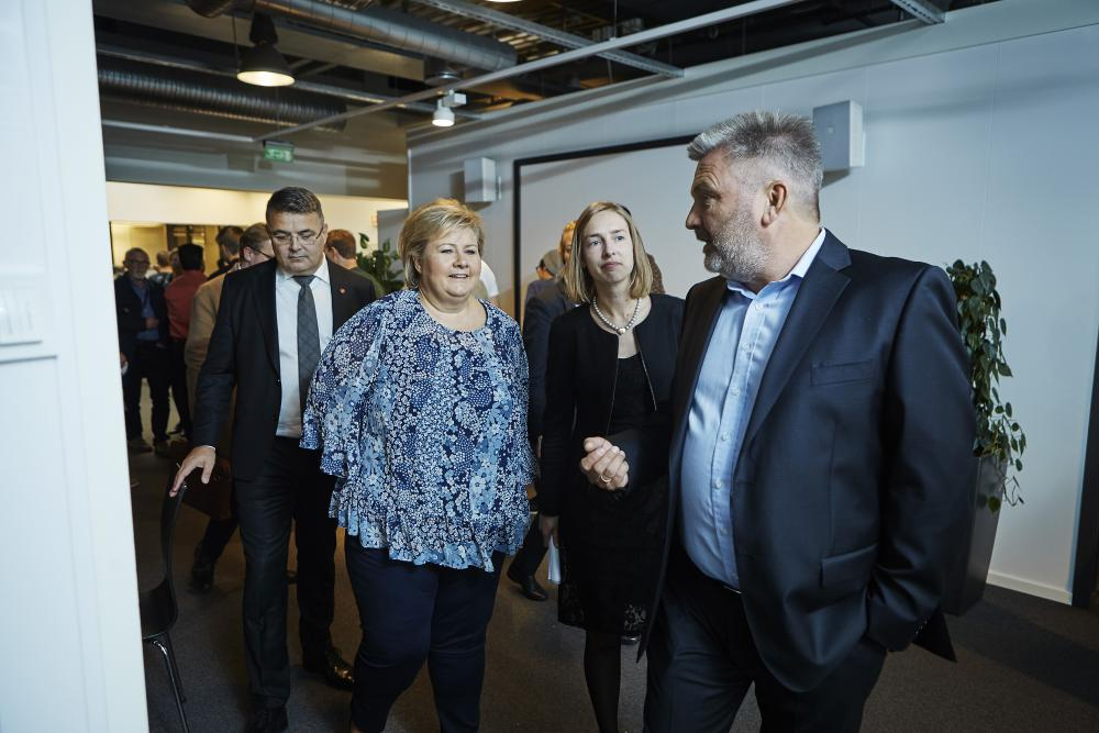Simula's CEO Aslak Tveito together with Prime Minister Erna Solberg, Iselin Nybø, the Minister of Research and Higher Education, and Kjell-Børge Freiberg, the Minister of Petroleum and Energy (Photo: Bård Gudim)