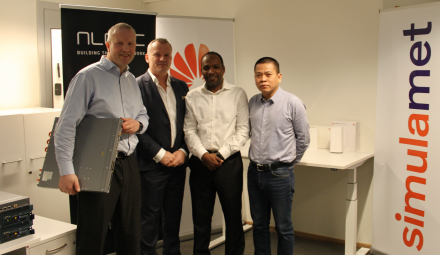 Dr. Haakon Bryhni (SimulaMet),  Erlend Bonesvol (CEO nLogic), Dr. Ahmed Elmokashfi (SimulaMet) and Hongqi Huang (CEO Huawei Technology Norway) (Photo: SimulaMet/Fanny Iversen Klang)