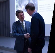 Kjetil Raaen is being congratulated, having defended his PhD