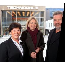 Pictured: Bente Thorsen (FrP), Kristin Vinje (H), and Professor Aslak Tveito.